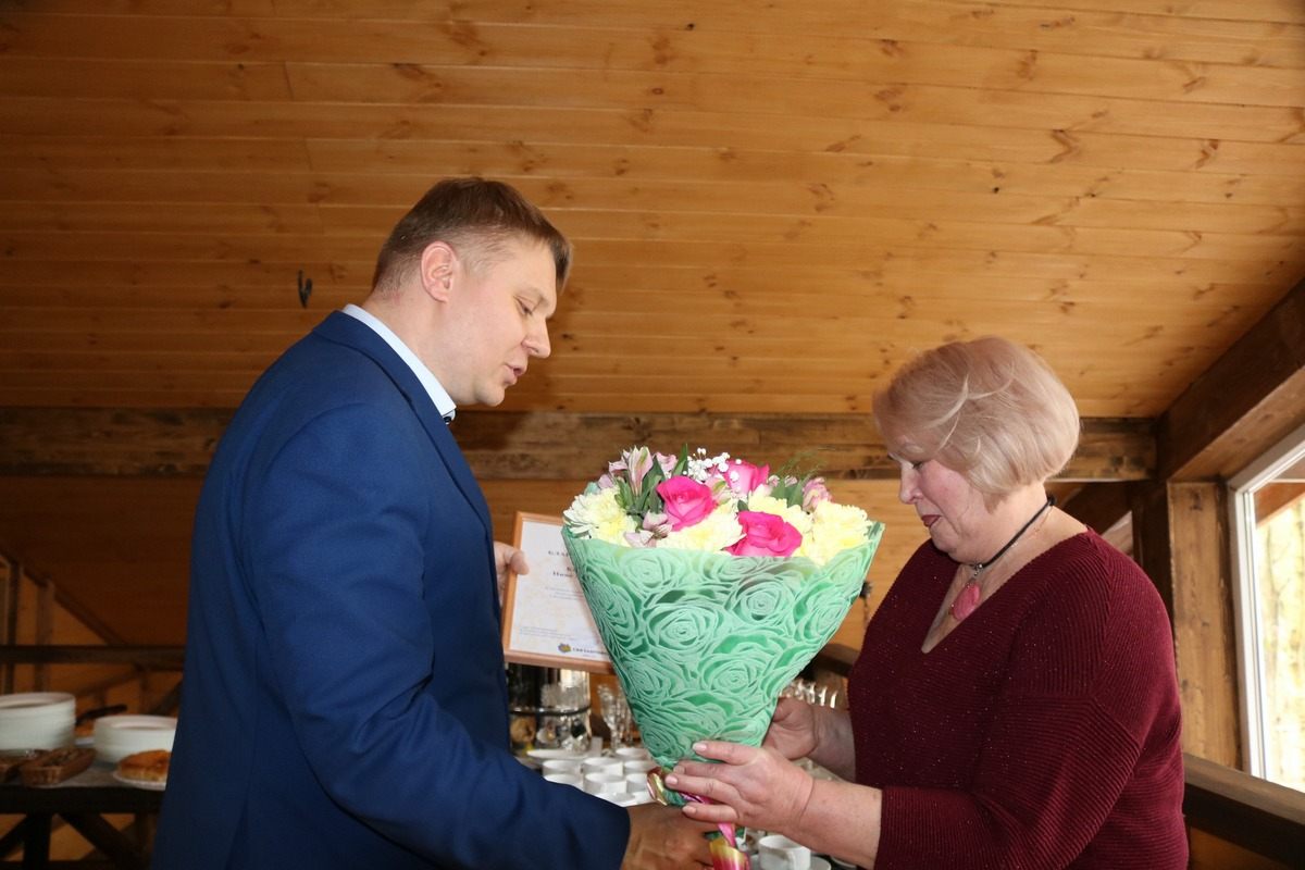 Поздравление граждан с 8 марта